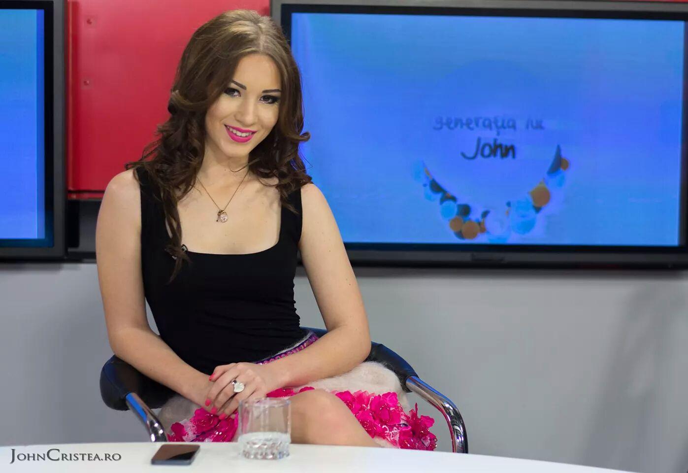 Luciana Matei, elevă