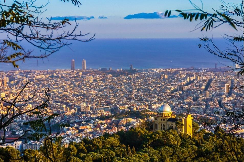 O vacanță în Barcelona te-ar putea costa doar 150 de lei dacă…