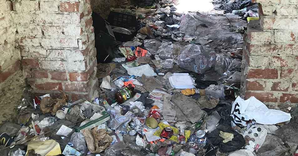 gunoi, cladire părăsită, Lidl Ploiești Nord